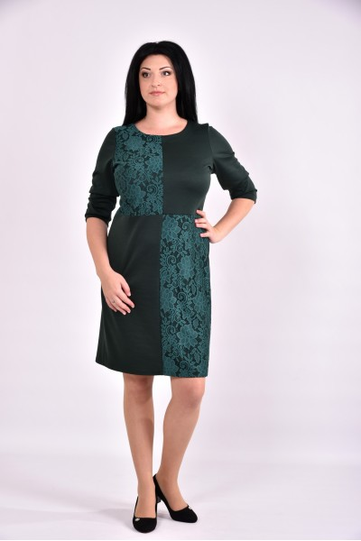 Зеленое трикотажное платье с гипюром | 0593-1 - последний 54р