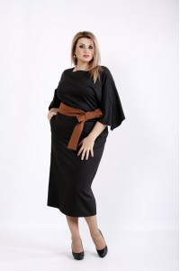 Черное платье ниже колена с поясом | 0935-2