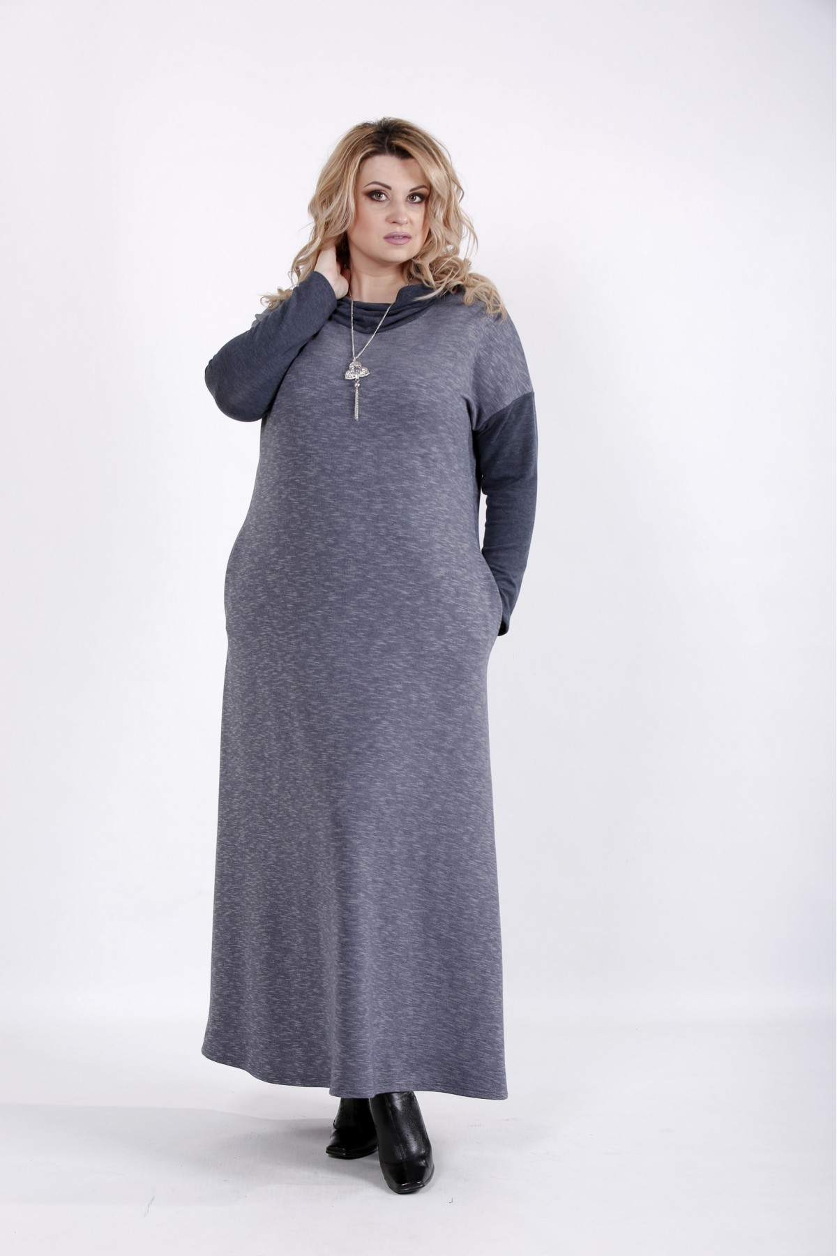 01027-3 | Свободное платье в пол с длинным рукавом