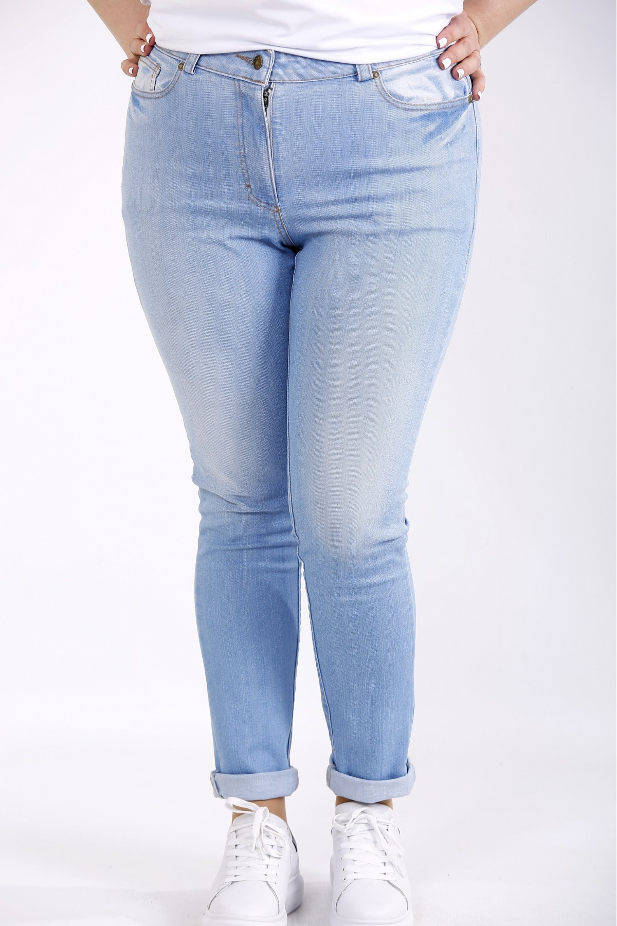 j-053   Светлые джинсы